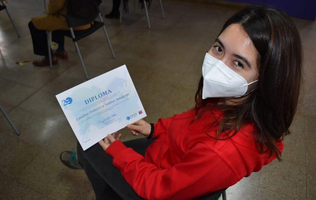 Estudiante Camerata DAE UACh recibe premio «Espíritu Foji 20 años»